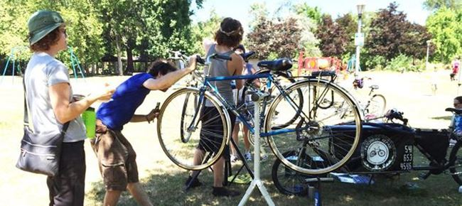 Bike repair at the smarttrips: South Central kick-off party in Tugman Park