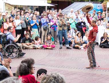 Lasso Demonstration at Fiesta Cultural