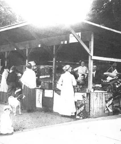 1916 photo of Producer's Market at 8th and Park