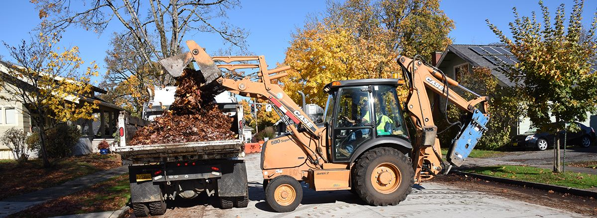 The City's Public Works crews continue the annual leaf collection and delivery program.